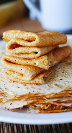 How to make paper-thin vanilla crepes from scratch in a regular frying pan. Step-by-step photos and instructions.