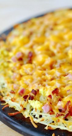 Breakfast Pizza with Hash Brown Crust Recipe ~ a delicious, warm, cheesy breakfast!