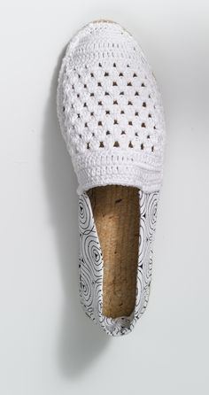 Espadrilles crochet combined with fabric, for more inspiration click here: http://www.prymyourstyle.com/index_gb.html