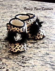 Baby girl leopard booties