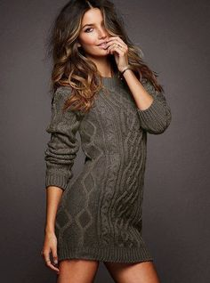 Adorable grey long sweater for fall. Would be cute with leggings!