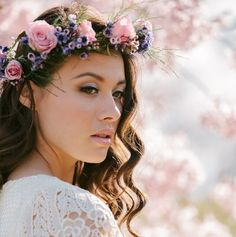 Perfect for the bo-ho chic bride, romantic flower crowns #Essense @weddingwire