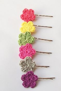 Crochet Curly Q Hair Ties : ... crochet hair tie has been brought back. The strand between the curly
