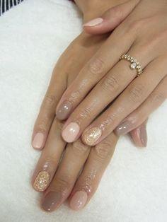 light pink, mauve & gold glitter nails