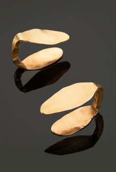 Cufflinks | Alexander Calder. Gold. ca. 1948 | 59'375$ ~ sold (May '14)