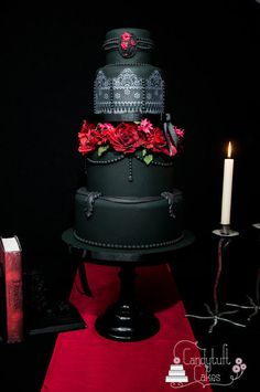 Gothic Elegance wedding cake.  You won't see this very often. Not really my kinda thing but it's really cool.