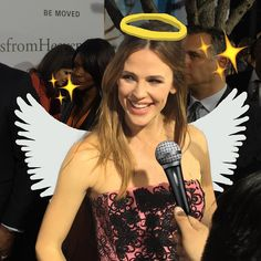 Good heavens! Jennifer Garner's greatest alias might just be that she's a real life angel. For all the movie #MiraclesfromHeaven coming your way weekend, float on over to our #Snapchat at regalmovies.