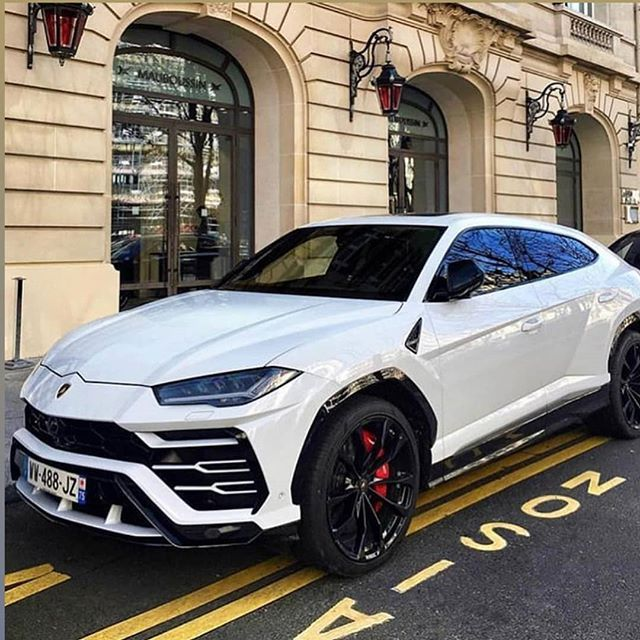 White Luxury Sports Car: #lamborghini #urus #white #cool