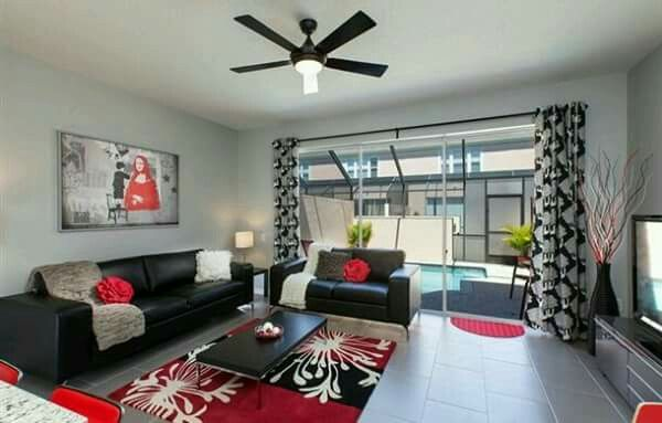 Pin By Serah Hunter On منزل Red Living Room Decor Black And Red Living Room Living Room White