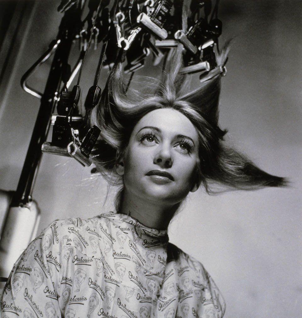 Martine Carol chez le coiffeur Antonio, février 1949