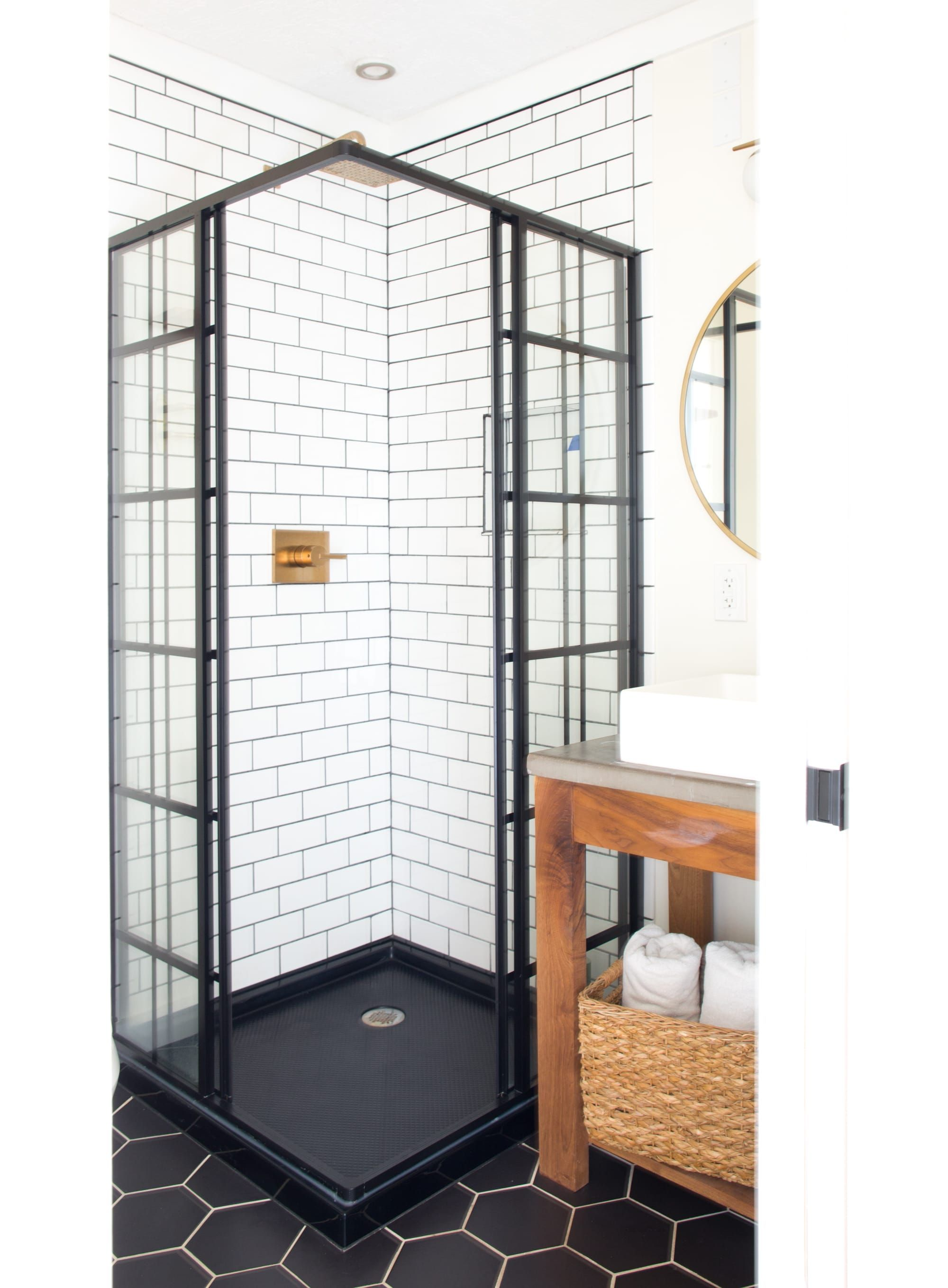 Minimalism Meets Organic Modern In This Michigan Home Bathroom Design Small Bathroom Interior Bathroom Interior Design