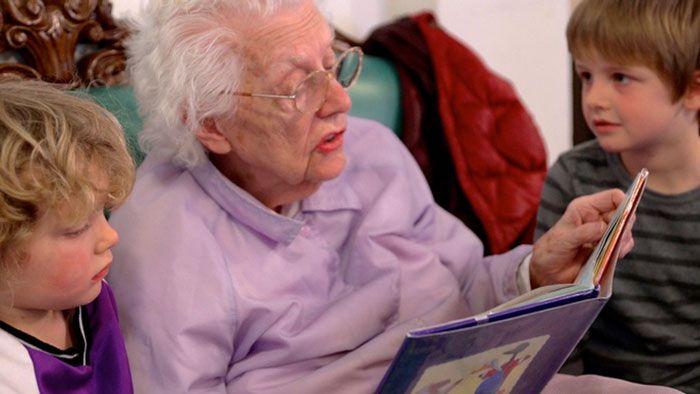 Bezoek ouderen centra