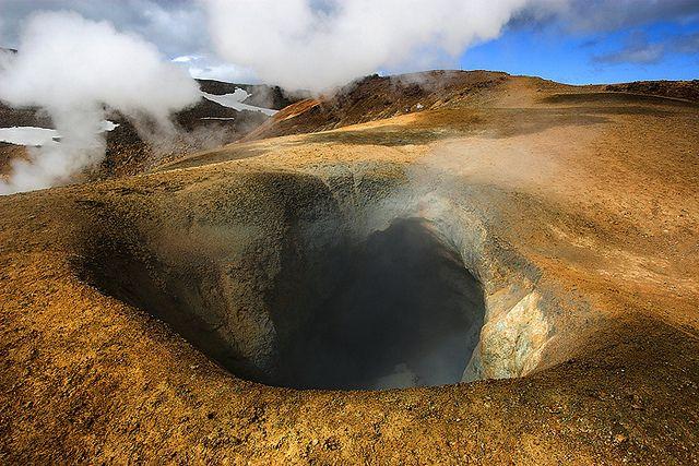 Iceland: mud pool, Kerlingarfjöll