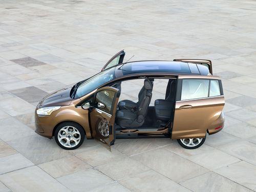 Attraktiver neuer Ford B-MAX öffnet für das Reisen und den Stadtverkehr seine innovativen Türen  Noch im Herbst 2012 diesen Jahres geht es los: Der neue Ford B-MAX ist bereit für sein Marktdebüt. Der besonders praktische Kompaktvan wird in den Ausstattungsvarianten Ambiente, Trend, Titanium und Titanium X zur Verfügung stehen.
