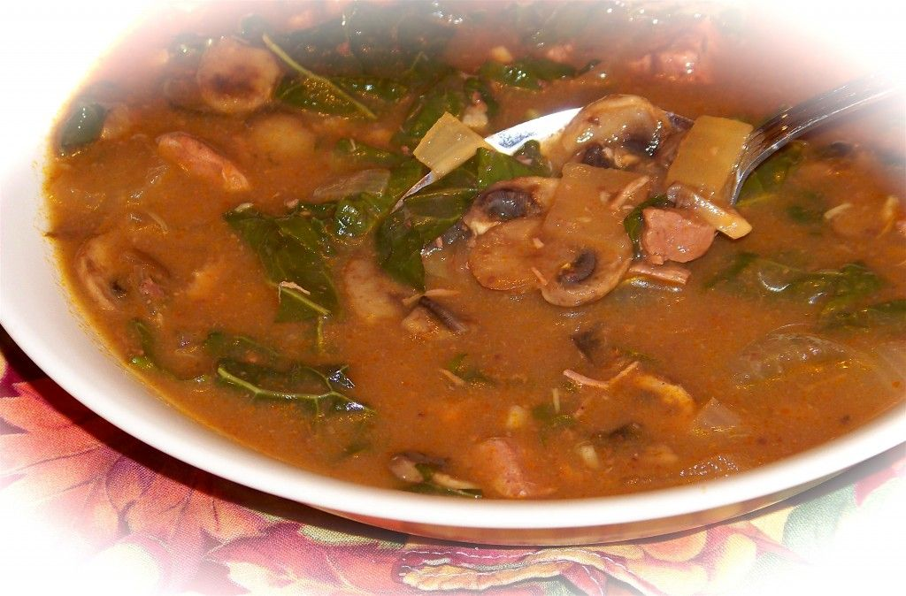 Hearty Beef and Mushroom Soup - and don't forget the kale! #recipes #lowcalorierecipes