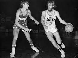Bob Morse was the Mobilgirgi Varese star in 70's. Huge shoter and classy player.