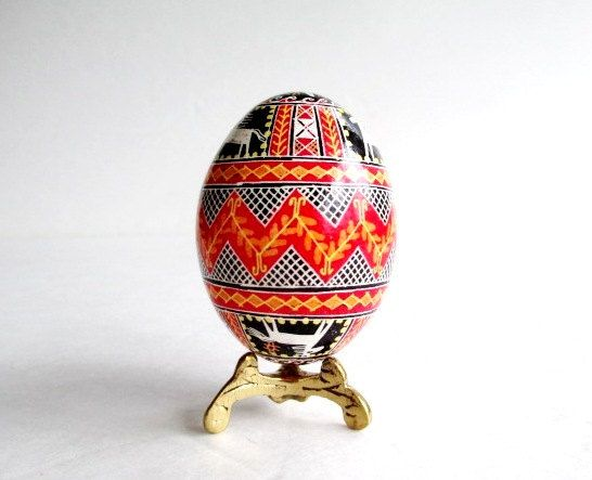 Check out this item in my Etsy shop https://www.etsy.com/ca/listing/64806110/popular-traditional-pysanka-ukrainian