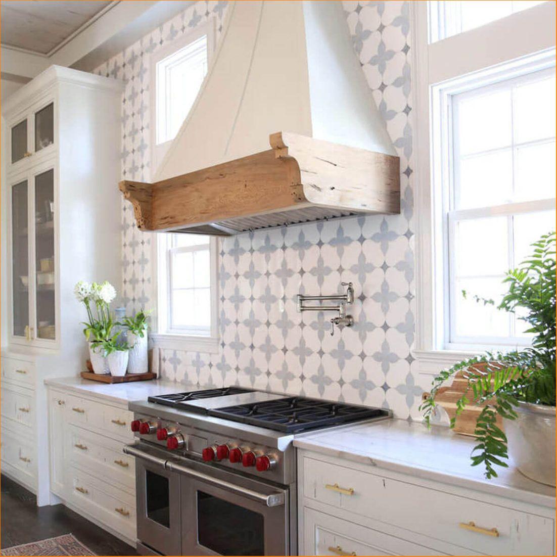 Small Kitchen Backsplash Tile Size Accent Tile Backsplash Ideas 12x24 Tile Kitchen Backs Kitchen Backsplash Designs Kitchen Tiles Backsplash Kitchen Backsplash