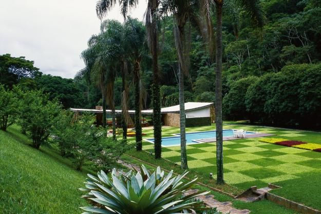 residência edmundo cavanellas, petropolis brasil Paisagismo