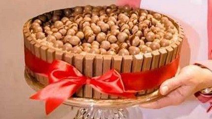 تورتة الكيت كات والمالتيزرز Recipe Arabic Food Food Desserts