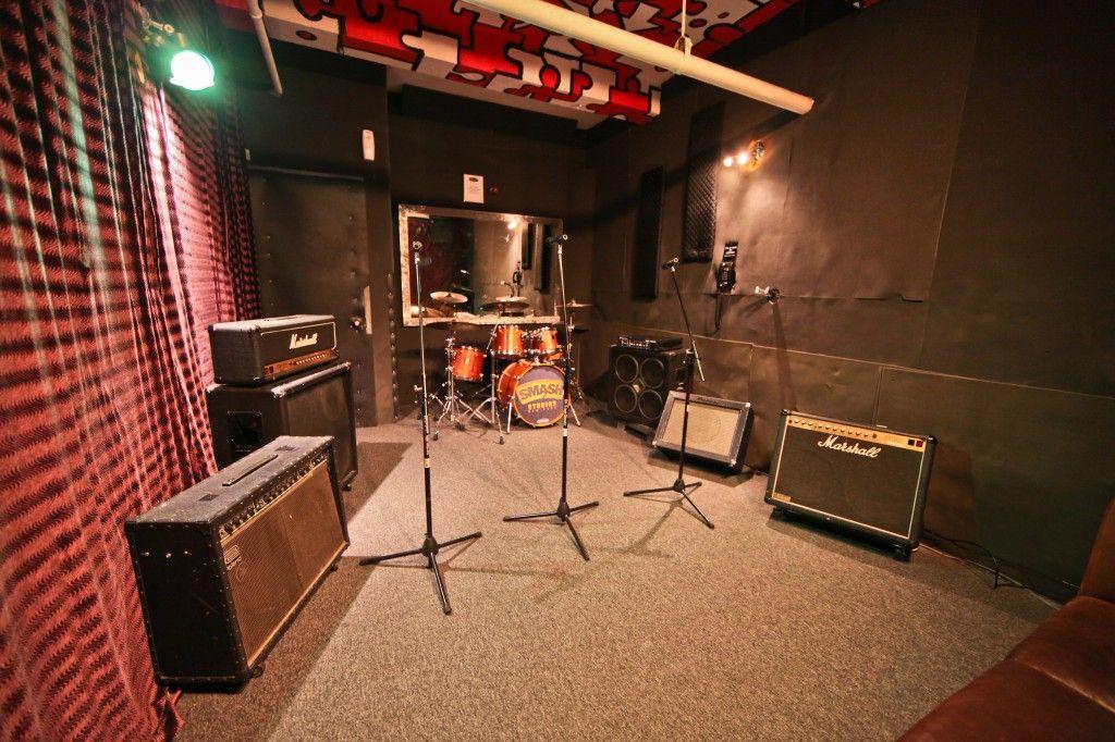 Band Rehearsal Studio Google Search Music Room Design Rehearsal Room Rehearsal Studios