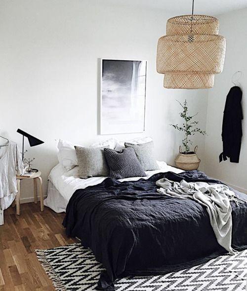 Leuk, zo\'n kleed half onder het bed - WISHLIST NEW HOME | Pinterest ...
