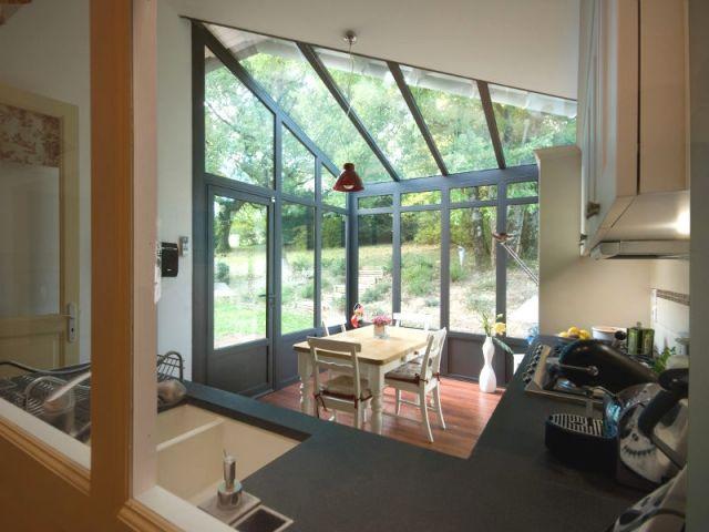 Fabulous petits espaces une vranda toute mignonne pour for Plaque de zinc pour recouvrir un meuble