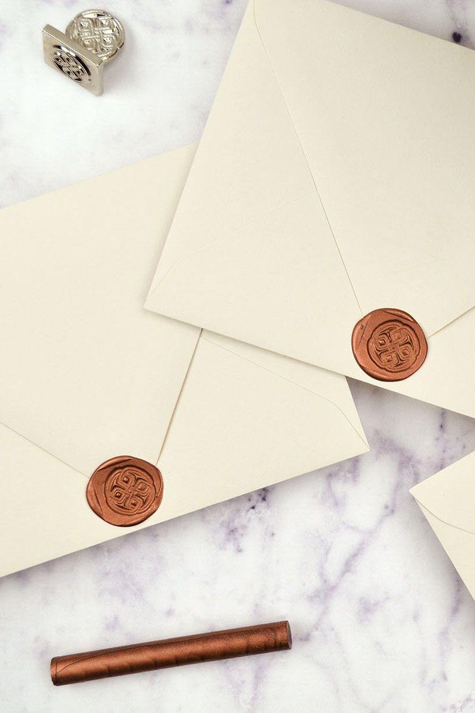 How To Diy Wax Seals On Wedding Invitations Diy Wax Wedding Invitation Envelopes Wedding Invitations