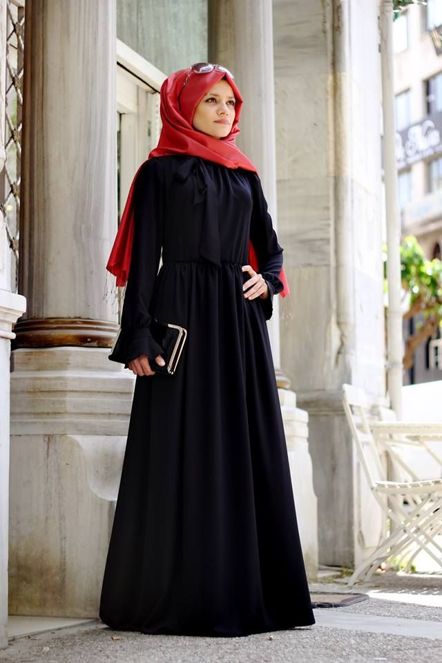 Siyah Sevenler Icin Duz Siyah Bir Model Elbise Modelleri Giyim Elbise