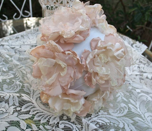 how to make a fabric flower bouquet. Also brides maid bouquets ...