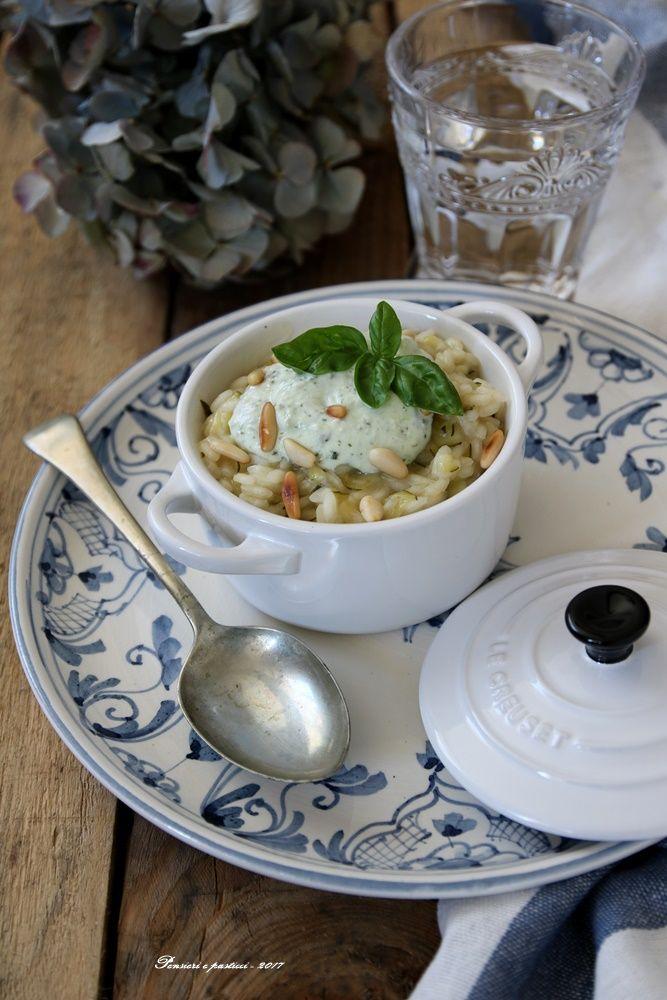 Risotto alle zucchine, crema di ricotta, basilico e pinoli