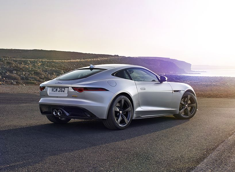 Jaguar F Type Sports Car Debuts With World First Gopro Technology Jaguar F Type Jaguar Car Jaguar