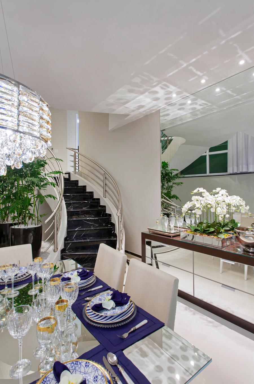 Casa sobrado com fachada moderna em terreno 12x30 for Ambientes modernos interiores