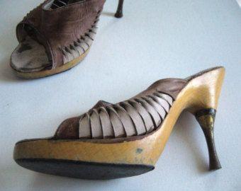 Chaussures vintage des années 70 acier talon chaussures à semelle en bois  vintage a249f3776a2d