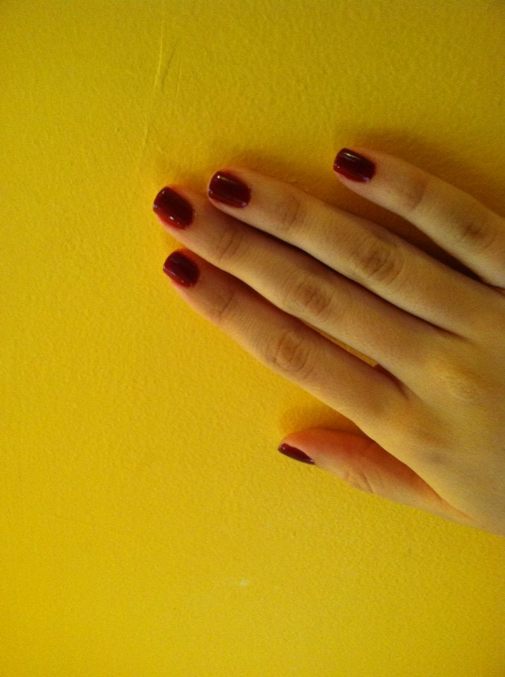 Oddly enough my favorite manicure : classic red Bordeaux essie ...