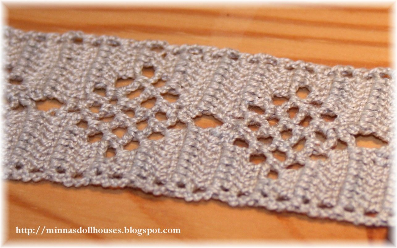 crochet table runners | crocheted the table runner by adapting one ...