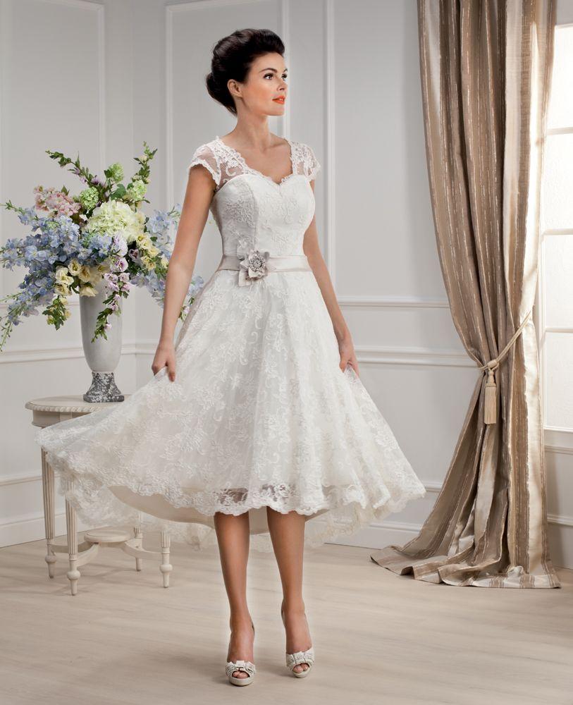Brautkleid der Elizabeth Passion 2014 Kollektion. Modell E-2755-T ...