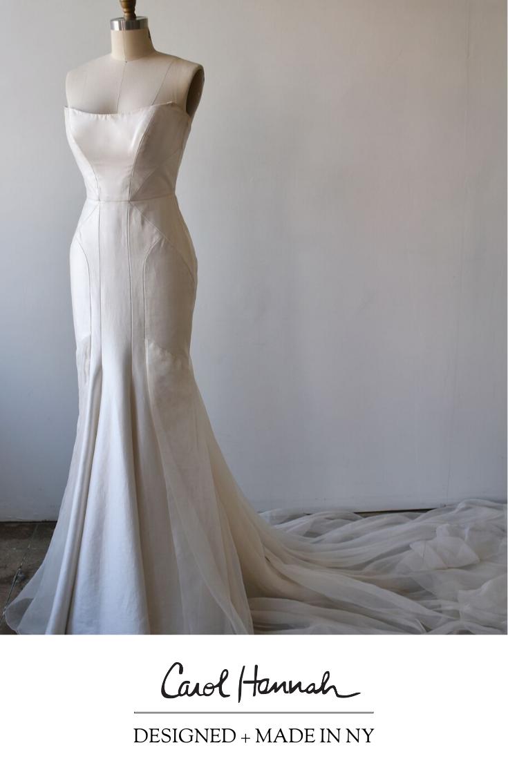 Xyris Wedding Dress Carol Hannah Wedding Dresses Wedding Bridesmaid Dresses Bridal Wedding Dresses [ 1102 x 735 Pixel ]