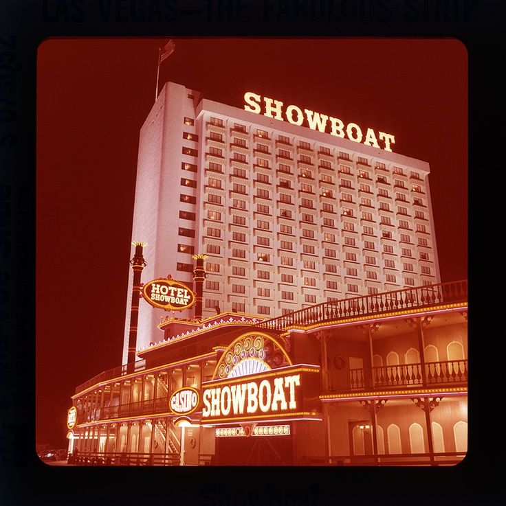 Showboat Hotel Casino Las Vegas Nv Www All Chips Com Has Chips For Sale From Here Casino Las Vegas Las Vegas Love Hotel Casino Las Vegas