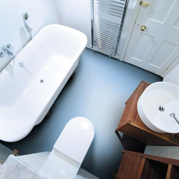 Exceptional LIght Blue Vinyl Flooring In A Bathroom