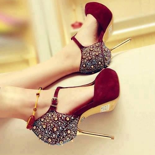 a8b558df698 Gorgeous pair of red sparkly high heels. Love it!