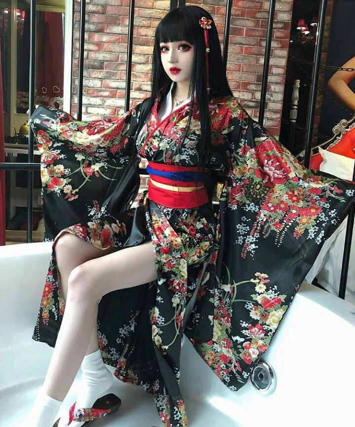 KINA SHEN - Fashion, Goth Beauty En Japan Fashion