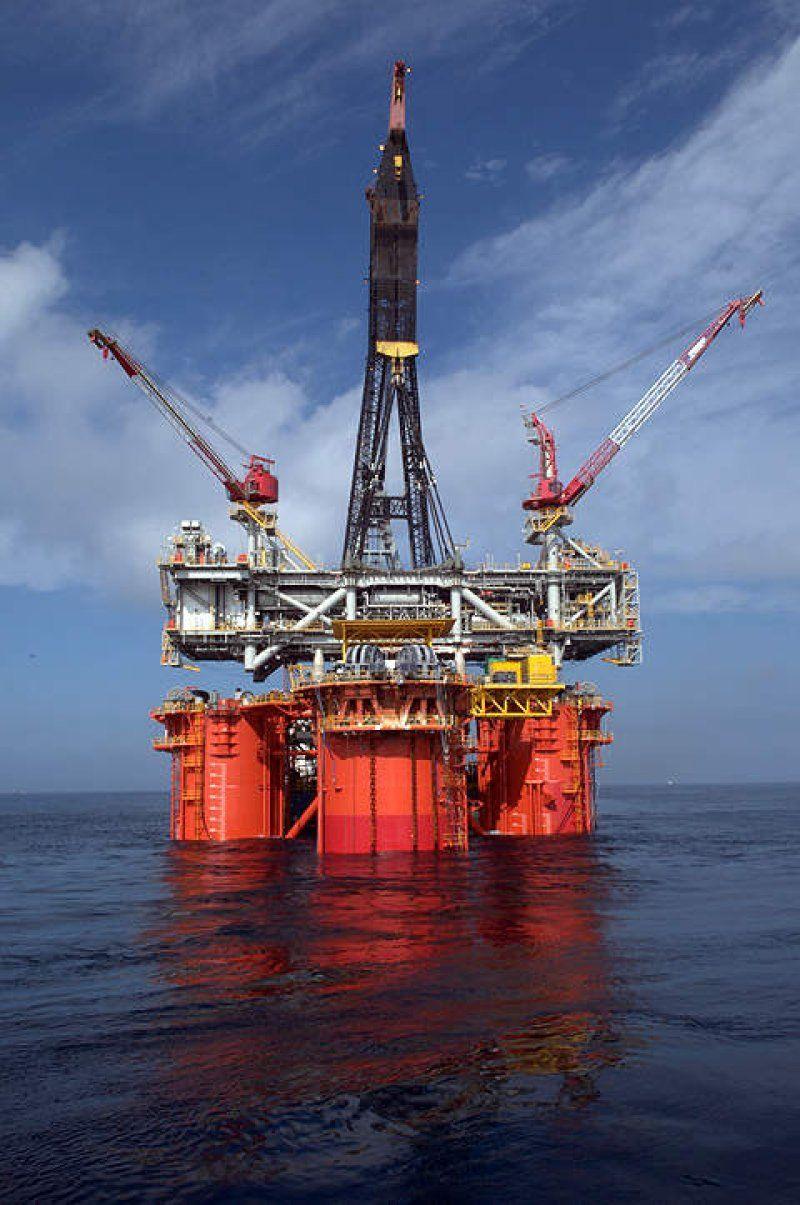 Louisiana Oilfield Service Company Adds 150 Workers Oilfield Oil Platform Louisiana