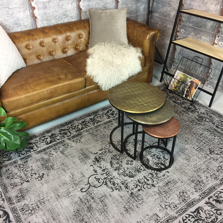 Dit vintage vloerkleed in de kleur grijs geeft jouw woonkamer ...