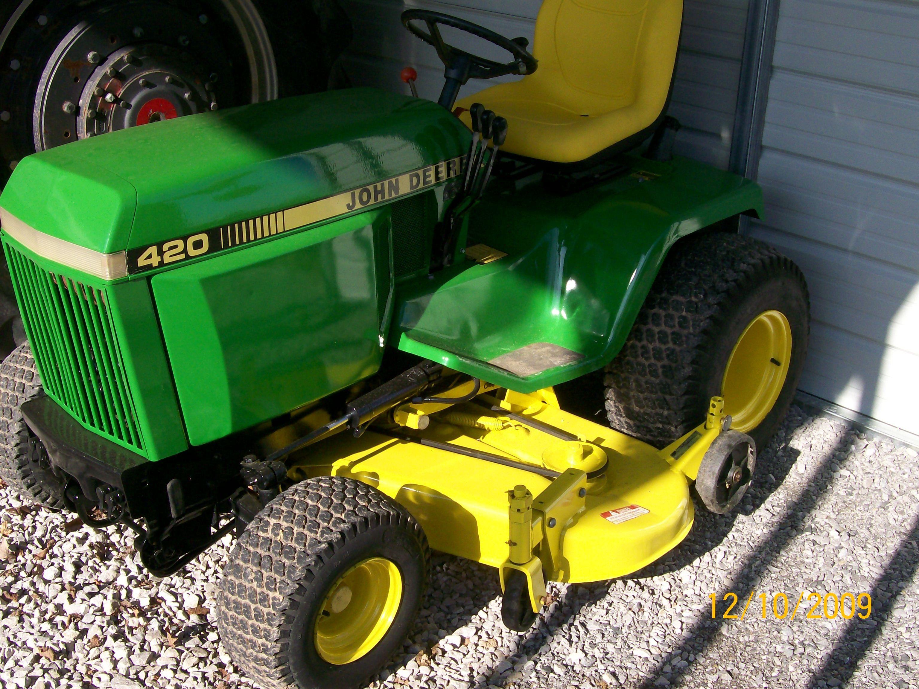 John Deere 420 Garden Tractor John Deere 420 Lawn Tractor With 60 Deck 900 Hours New Seat