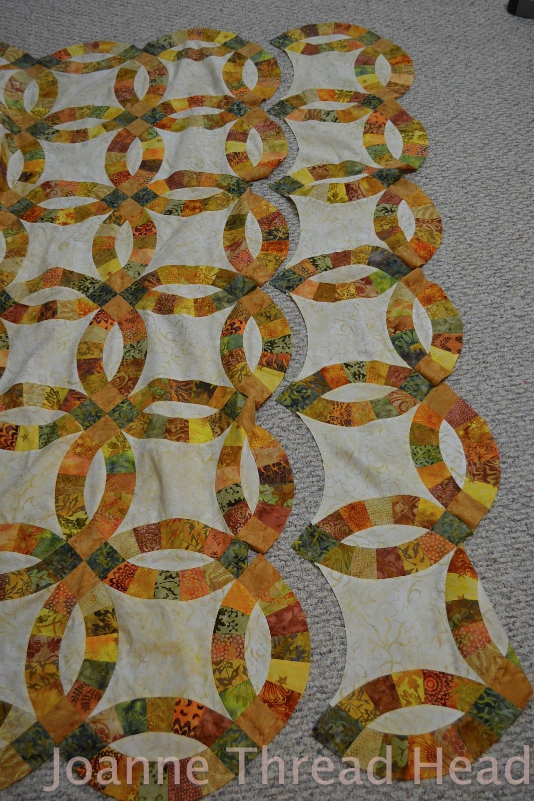 Thread Head My First Double Wedding Ring Quilt Using Accuquilt Cutting Tool