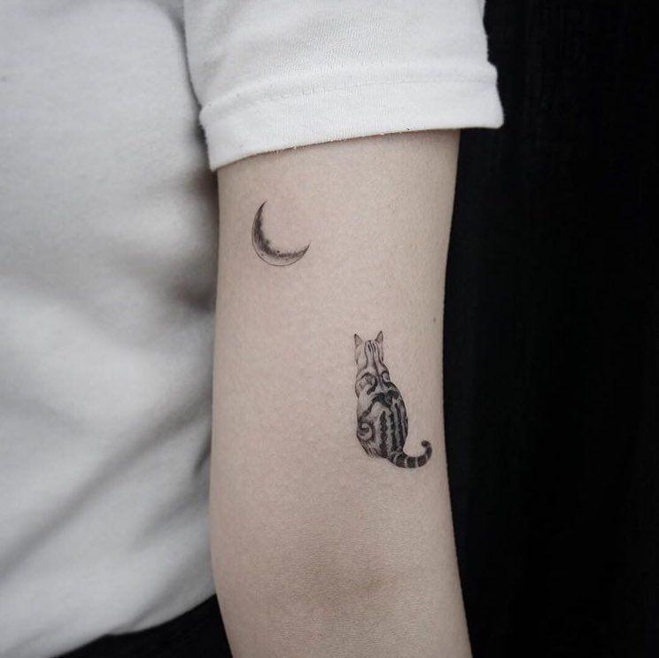 Photo of 🌙🐈 tatuaje de gato pequeño y @_youyeon_