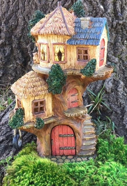 treehouse all things fairy gardens casas de hadas jardines de rh pinterest es
