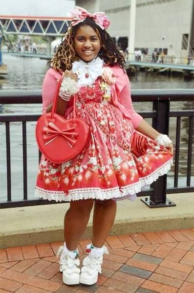 Ugh, I LOVE plus size Lolitas! I would SO adore to see more people ...