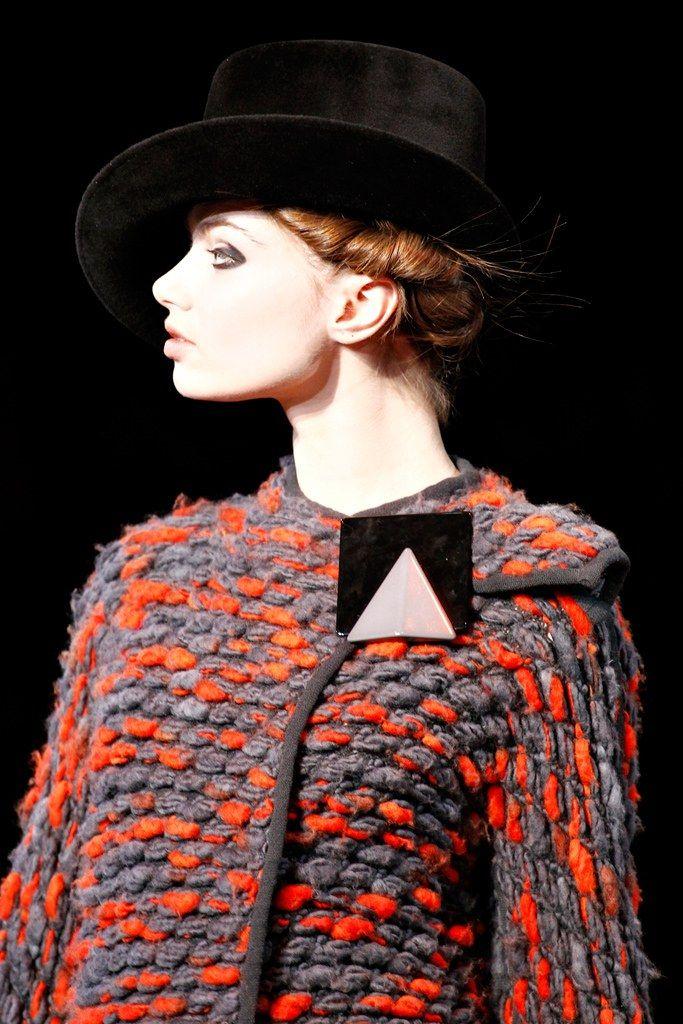 Giorgio Armani Fall 2012 Ready-to-Wear Fashion Show Details